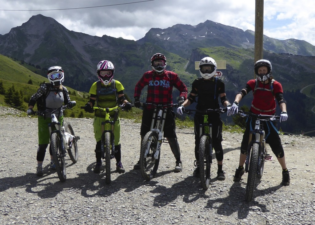 Reservoir Chicks Womens MTB Club Chatel 2014