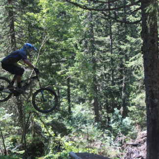 MTB Instruction jumps and drops advanced mountain bike skills training